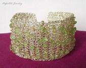 Peridot bracelet, crochet wire bracelet, gemstone jewelry, gold  wire bracelet,gold bangle bracelet,crochet wire jewelry,green stone jewelry