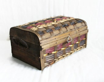 Vintage booty chest, Woven slat, sock box, handmade, wooden sides. Splint, decor, Storage. Trinkets sewing notions keepsake, Metal hinged