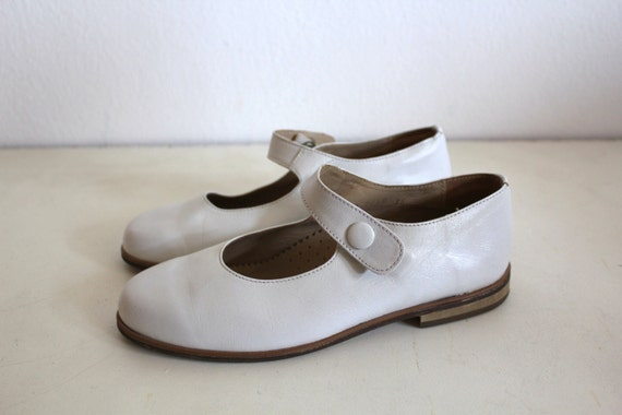 Vintage Leather Shoes Girl White Mary Jane