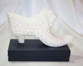 Fenton Milk Glass Hobnail Shoe, Milk Glass Victorian Shoe,  With Cat,  White Miniature Shoe