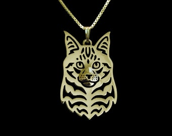 Maine Coon Cat jewelry - gold with black Enamel.