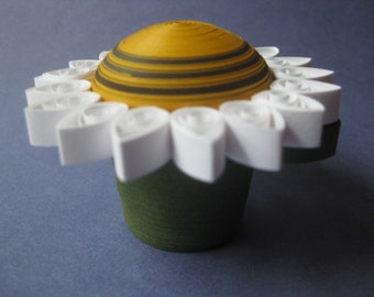 Paper Quilling; yellow and white daisy trinket box