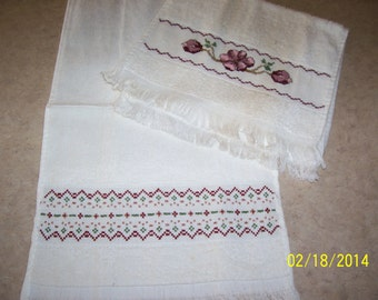 2 Cream colored handtowels, new,  hand embroidered
