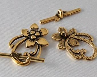 2 sets - 30mm Antique Gold Flower & Leaf Toggle