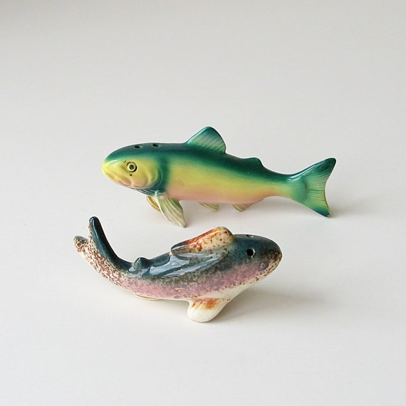 Fish Salt And Pepper Shakers By Ruralrootsvintage On Etsy