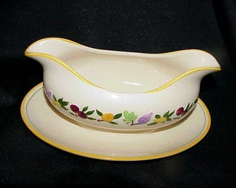 Vintage Franciscan Fruit Pattern Gravy With Attached Underplate Excellent
