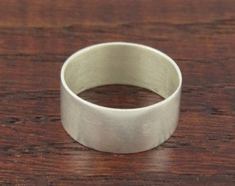 Fine silver band ring