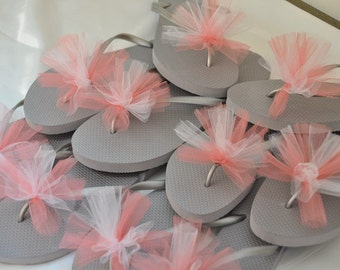 SALE!! Custom WEDDING Flip Flops, BRIDESMAID Flip Flops, Simple & Elegant Tulle Flip Flops, Bridesmaid Gift, Bridal Party Gift, Beach