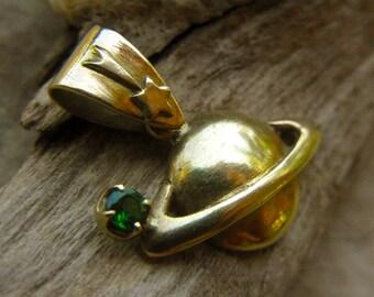 18k Gold Saturn charm pendant top with Green Garnet