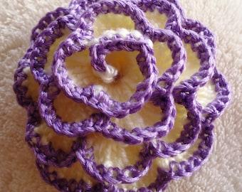 1pc    Crocheted flower