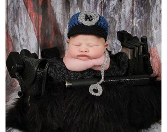 Police officer hat and hanfcuffs girl or boy. Newborn baby boy police officer hat. Crochet police hat. Police man beanie.