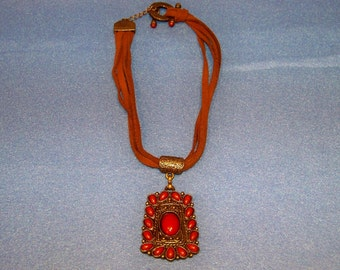 Vintage 70's Suede Leather Strap Necklace