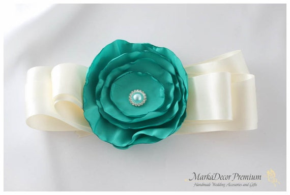 Bridal Sash / Custom Wedding Bridesmaids Belt in Ivory and Jade Green with a Big Handmade Flower, Brooch, Pearls and Crystals