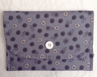 30% off SALE --- Grey Floral eReader Case