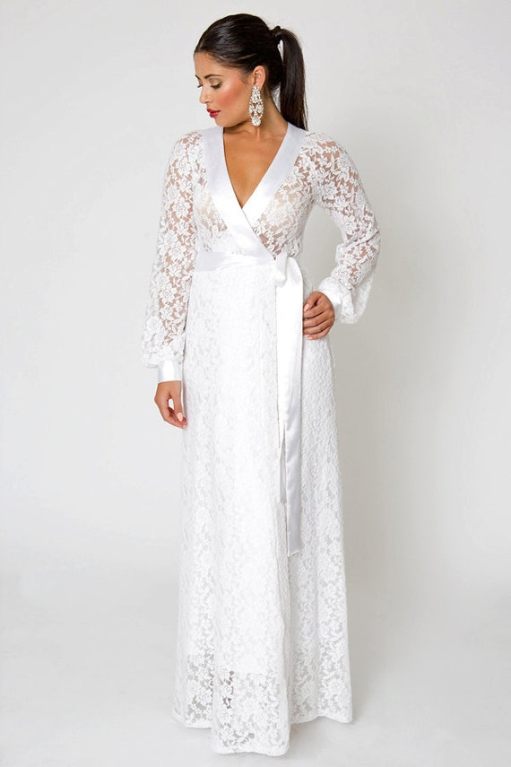 Galerry ivory sheath dress with sleeves