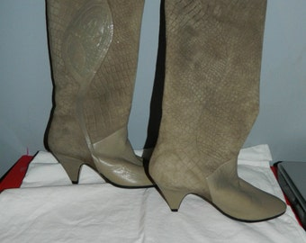 50% off Vintage Suede & Leather Boots Taupe High Size 7 1970's - 1980's