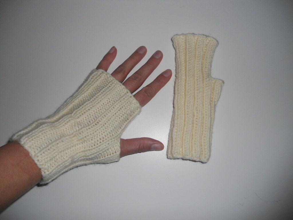 Knitting Pattern For Short Finger Gloves : fingerless gloves gloves medium short gloves knit by Anastasiashop