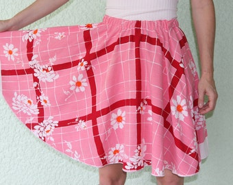 Vintage Tablecloth Circle Skirt short  - SWEET & PLAYFUL daisy flowers pink plaid white