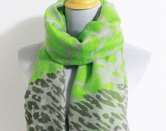 Green Leopard Scarf Chunky Leopard Scarf Soft Scarf with Leopard Print
