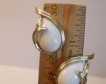 Vintage white and gold-tone dew drop clip earrings