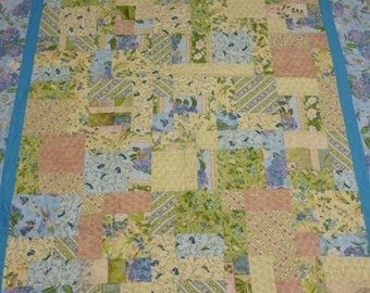Quilt with Hydrangea Radiance Frabric Line  from Wimington Prints Beautiful Floral Fabrics
