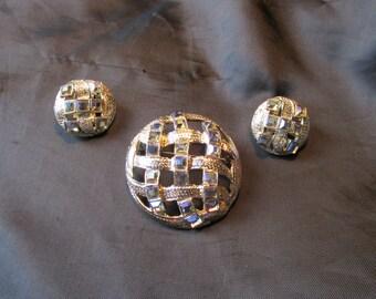 Dodds 11 W 30 St Inc Demi Parure Necklace and Clip Earrings Set