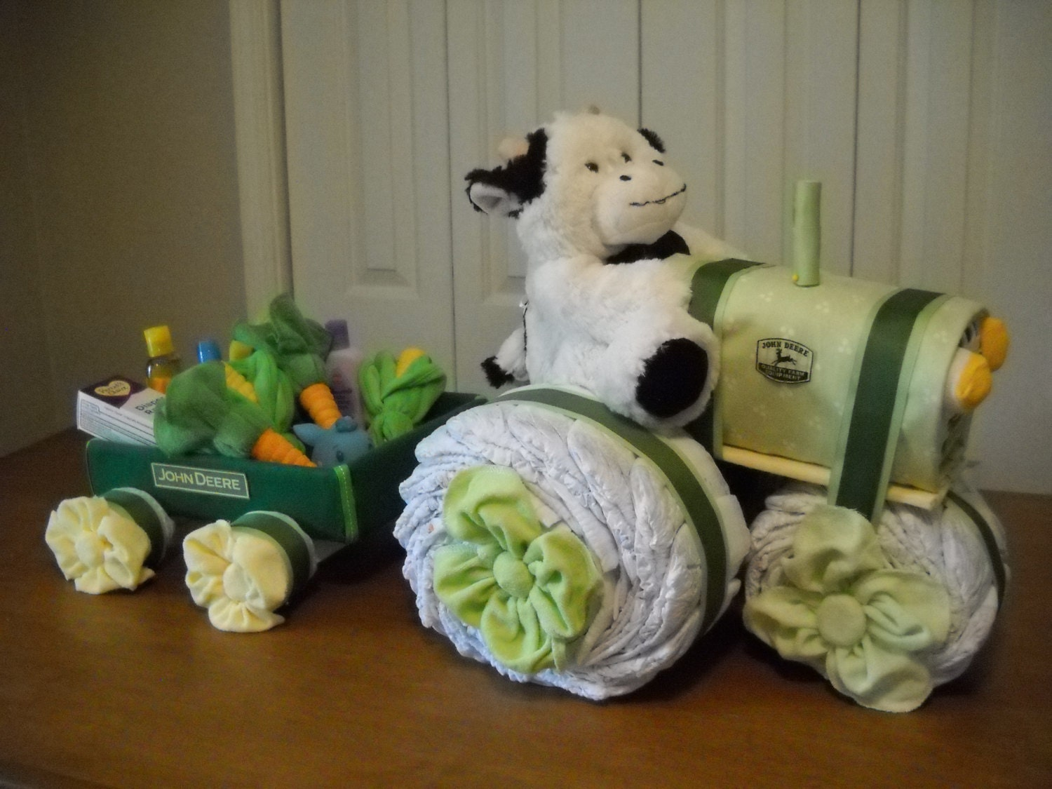 john deere tractor and wagon diaper cake by shelvasdiapercakes. Black Bedroom Furniture Sets. Home Design Ideas