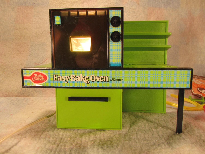 Vintage Betty Crocker Easy Bake Oven Green Kenner 1370