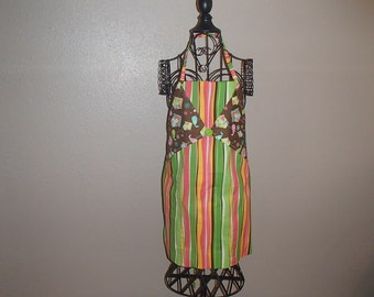 FREE SHIPPING, Birdhouse Reversible Apron, Large Pockets on One Side - Made in USA