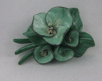 Handmade in the 70s: brooch with green flowers made of painted plastic. Fashion jewelry unique. VINTAGE