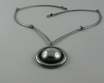 Simply elegant necklace made of sterling silver (Ag 925). VINTAGE