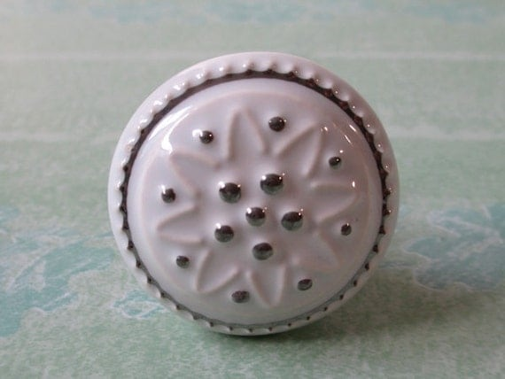 White Dresser Knob / Drawer Knobs Pulls Handles / Ceramic