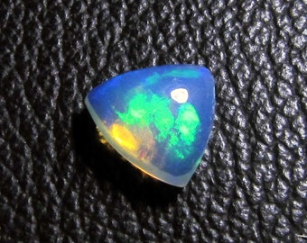 loose gemstone triangle shaped multicolor opal cabochon 1.9 ct (OP63)