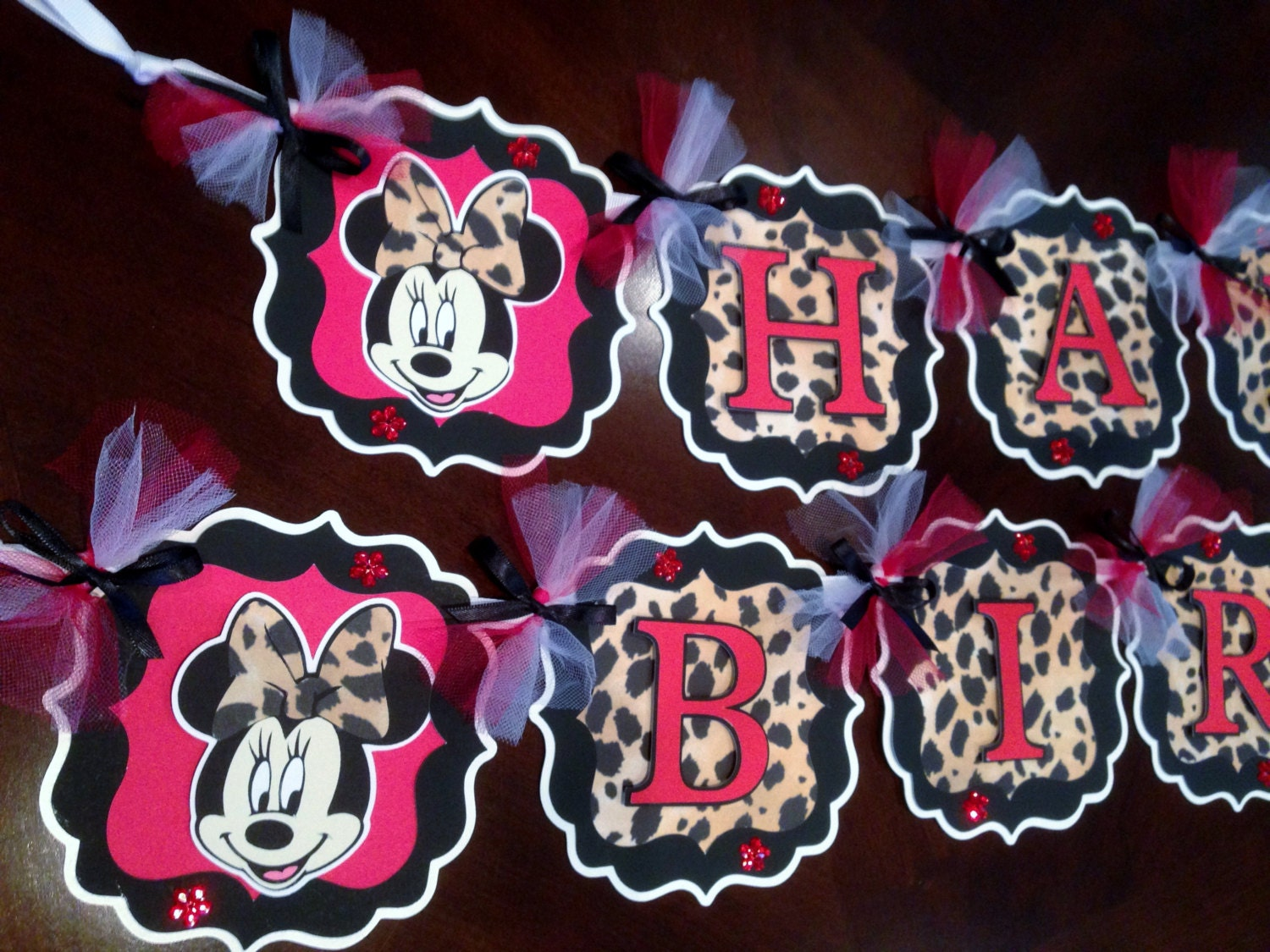 Minnie mouse party decorations leopard print red or for Animal print party decoration ideas