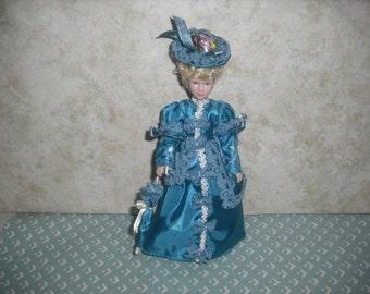 1:12 scale Dollhouse Miniature Victorian Porcelain Lady Doll