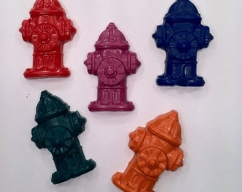 Set of 15 fire hydrant crayons - kids party favor - fire truck Birthday  - party favor crayons - recycled