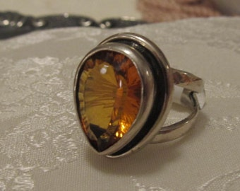 Vintage/Antique Sterling Silver Ring with Yellow Topaz