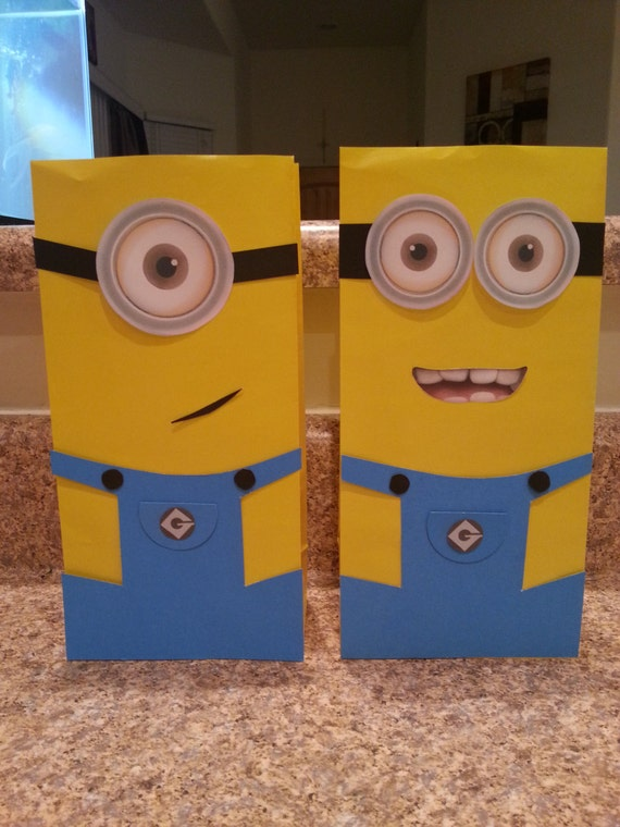 10 minion candy bags minion goodie bags minion party favor. Black Bedroom Furniture Sets. Home Design Ideas