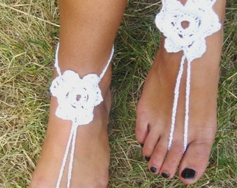 white bridal shoes white bridal sandals wedding sandals Barefoot sandals Wedding shoes White Flower Nude shoes Foot jewelry Victorian lace
