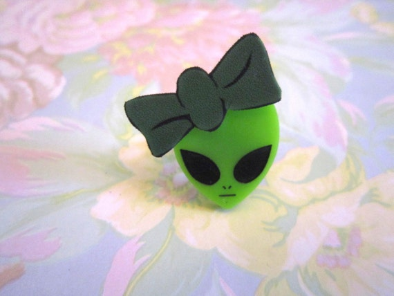 Green Alien Ring Female