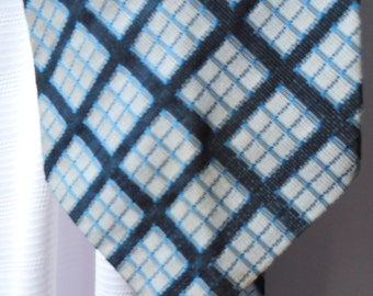 Vintage blue and white checkered tie   A distinctive tie by Cortney
