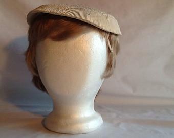 Vintage 1952 White lace Spring or Summer hat