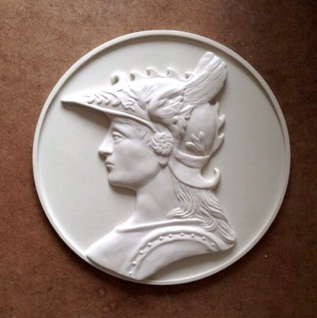 10 Inch White Resin Relief Medal Wall Decor Wall Hanging