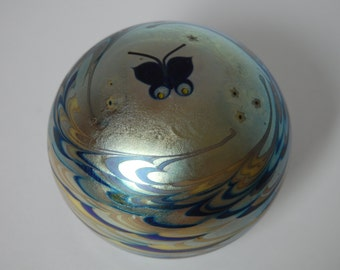 Lundberg Studios Paperweight Signed Paperweight Collectibles Iridescent Paperweight