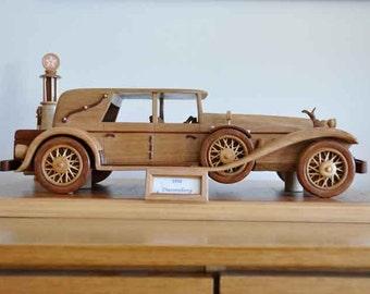 Handcrafted vintage Duesenberg Limousine 1930 model