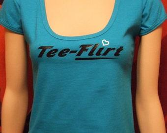Size medium, turquoise cap sleeve, scoop neck tee-flirt