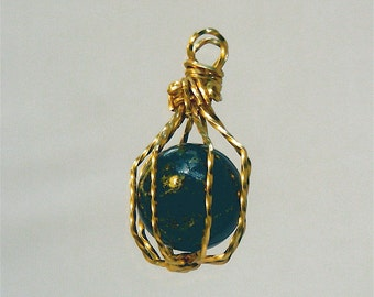 Pendant,Cage,Gold-Filled,Wire-Wrapped,Lapis Lazuli (Dark Blue Sphere with Gold Flecks) inside; Pendant.