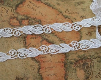 2 yards- Polyester Iovry Lace Trim / Narrow Lace Trim