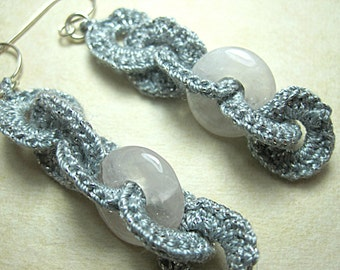 Silvery grey dangle crochet earings, interlacing cotton crochet and calcedony rings