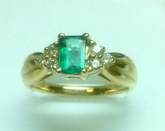 NEW -----  Emerald Diamond Ring in 14 K Yellow Gold  ----- ON Sale... Free Shipping in The USA